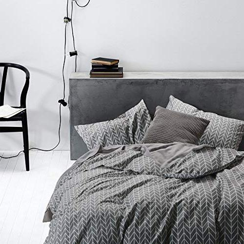 Wake In Gray Cover Set, Bedding, Zig Pattern Printed on Grey, with Zipper Closure